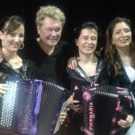 harry williams avec l'accordéoniste stéphanie rodriguez